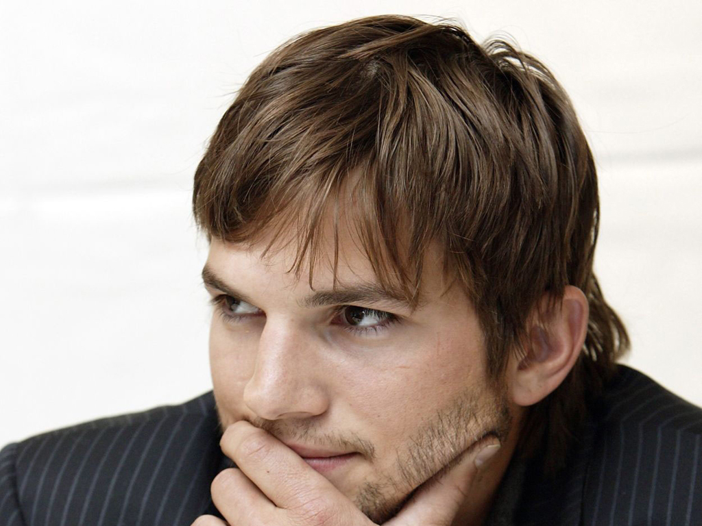 Ashton Kutcher - Photo Set
