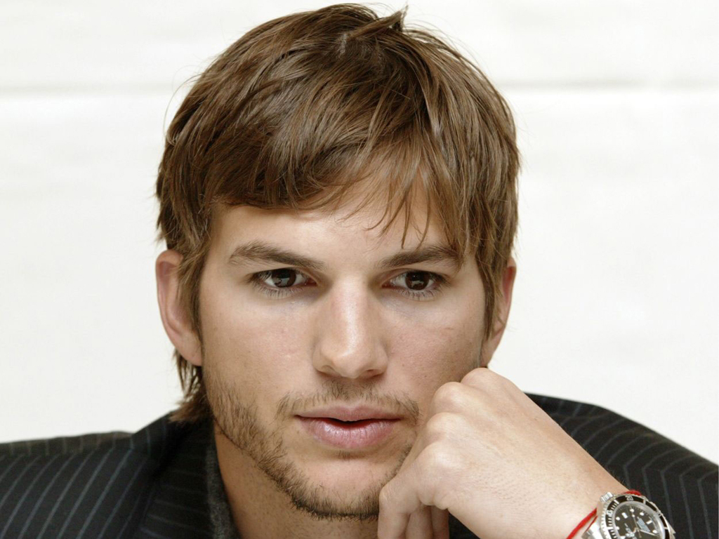 Ashton Kutcher - Images Gallery