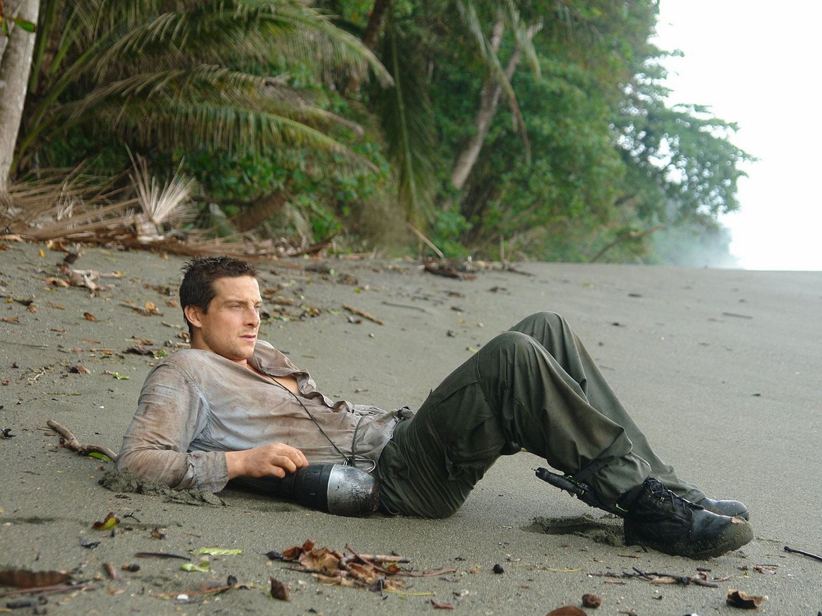 Bear grylls picture image 8