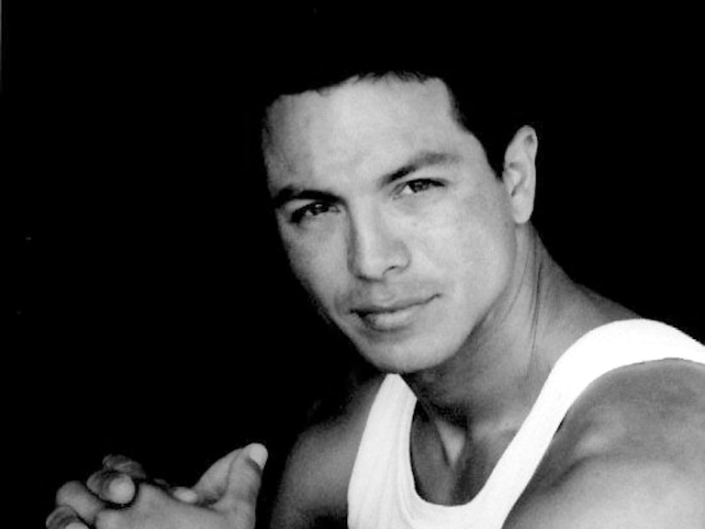 Benjamin Bratt Picture - Image 4 - Actors-Pictures.com - 2981 x 3055 jpeg 2192kB