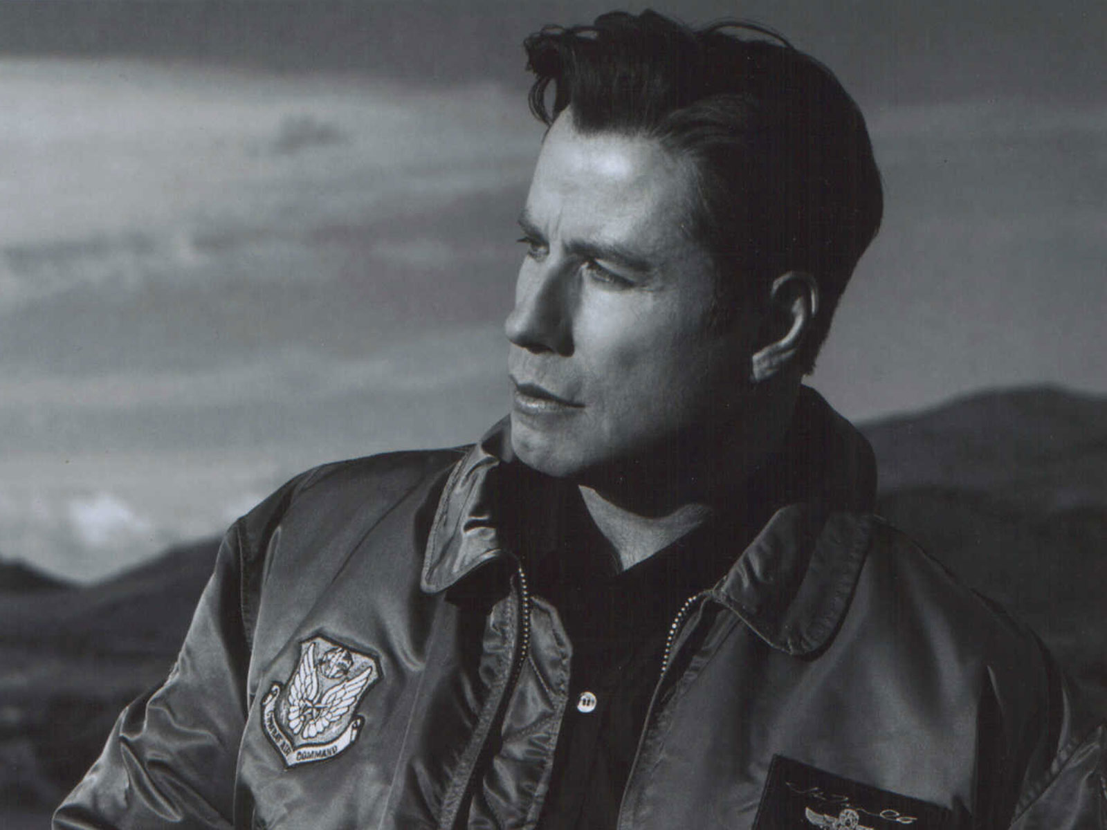 John Travolta - Wallpaper Gallery