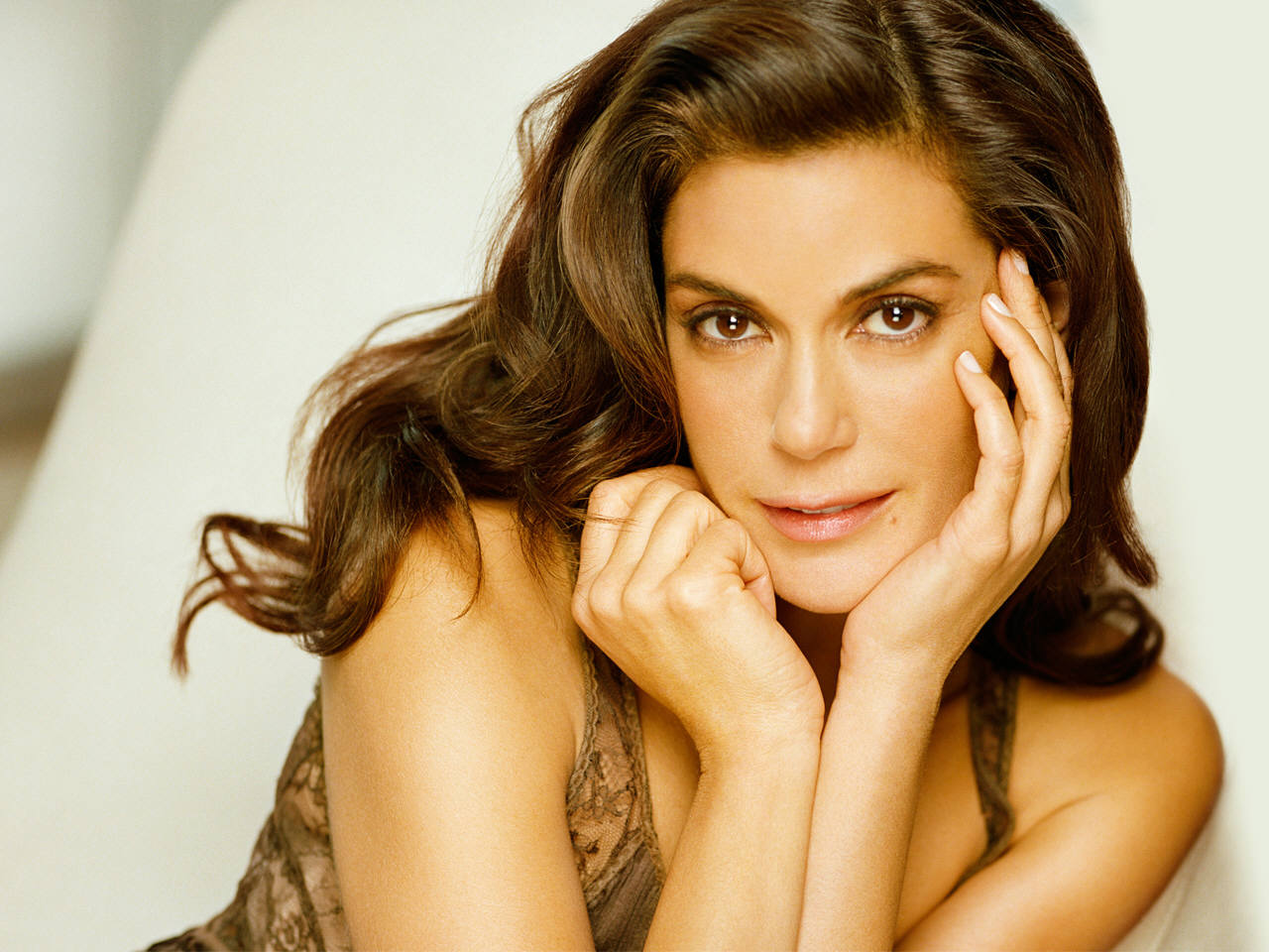 TERI HATCHER x 60 ** SEXY ** CLIPPINGS PACK # 1