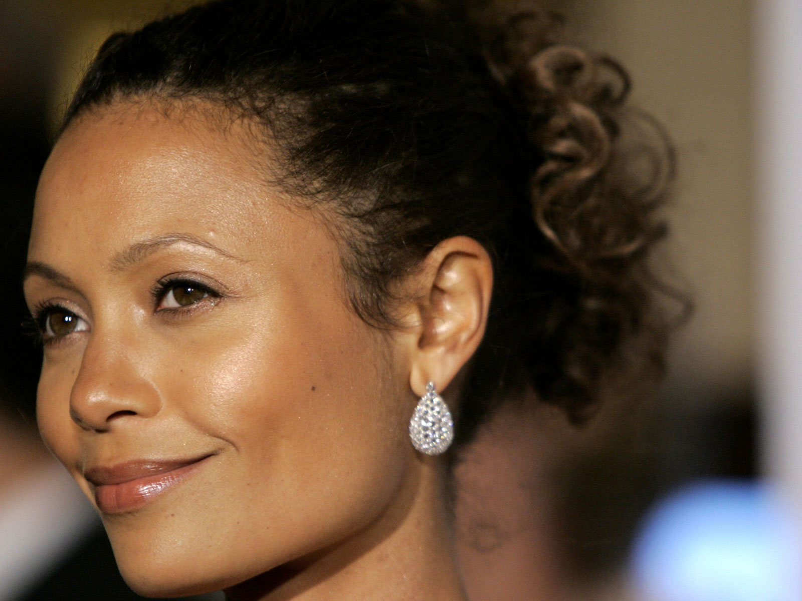 B Newton Thandie Newton Picture...