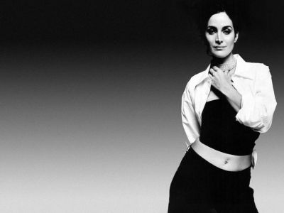 Carrie Anne Moss Picture - Image 1