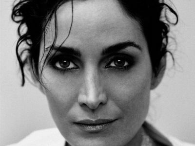 Carrie Anne Moss Picture - Image 12