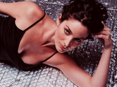 Carrie Anne Moss Picture - Image 13