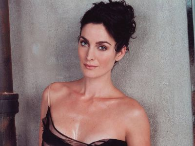 Carrie Anne Moss Picture - Image 3
