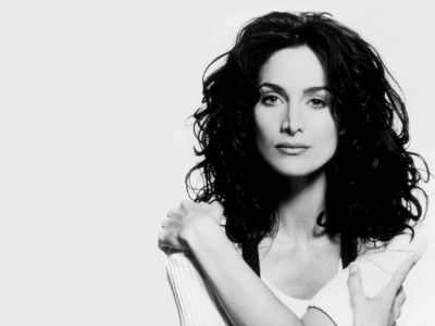 Carrie Anne Moss Picture - Image 8