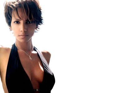 Halle Berry Picture - Image 4