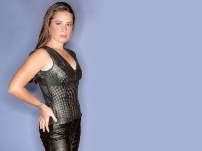 Holly Marie Combs Picture - Image 21