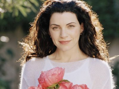 Julianna Margulies Picture - Image 13