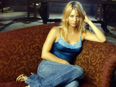 Kaley Cuoco Picture - Image 9