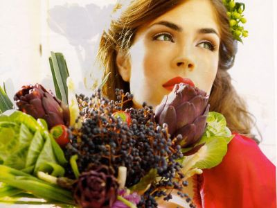 Kelly Thiebaud Picture - Image 12