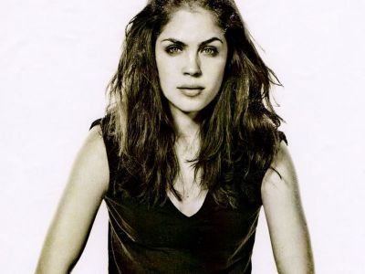 Kelly Thiebaud Picture - Image 13