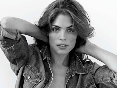 Kelly Thiebaud Picture - Image 14