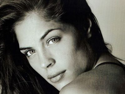 Kelly Thiebaud Picture - Image 15
