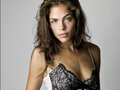 Kelly Thiebaud Picture - Image 3