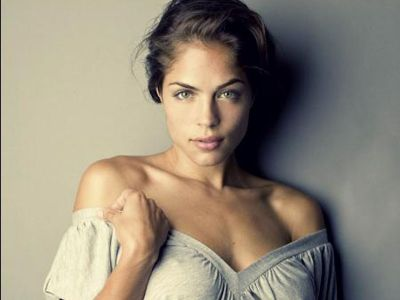 Kelly Thiebaud Picture - Image 6